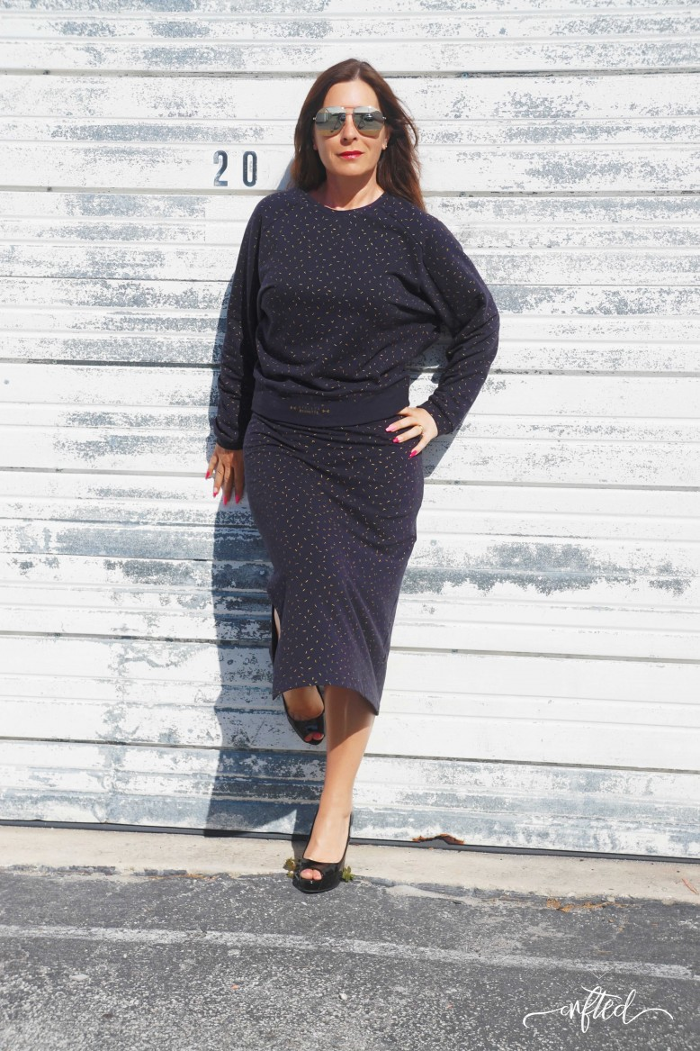 238f37d9ef29bc I was looking for a pencil skirt that was easily dressed up or down,  elegant but conformable and I could wear with high heels or sneakers.